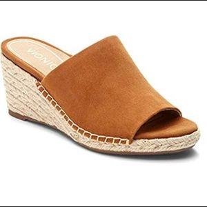Vionic Wedge Sandals Size 7